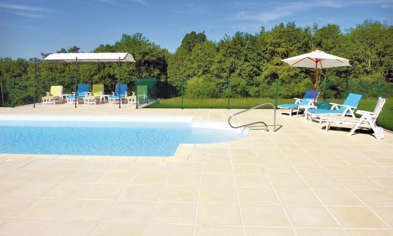 kamień brzgowy sparta na basenie prywatnym