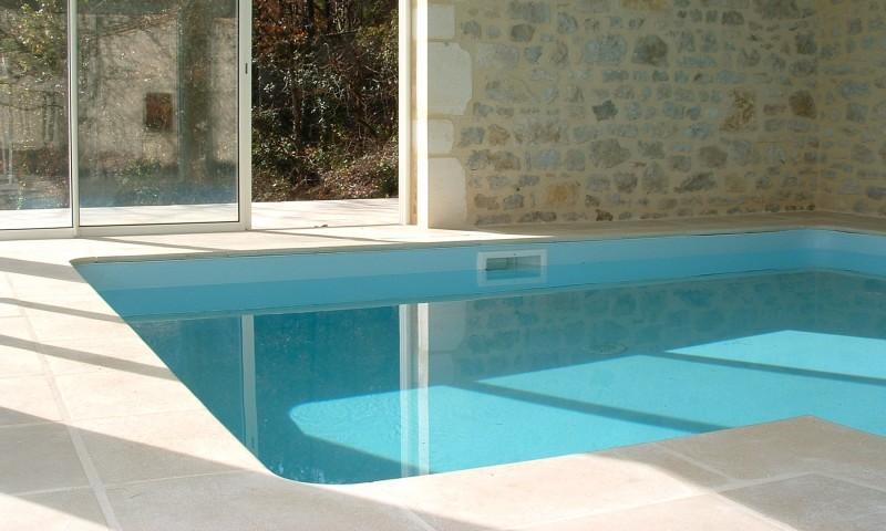 basen z obrzeżami basenowymi sparta
